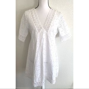Rue Valentina white dress with lace details size M